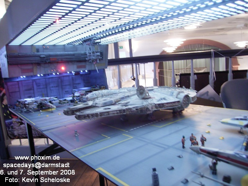 une superbe representation du hangard rebelle Spacedays2008_032
